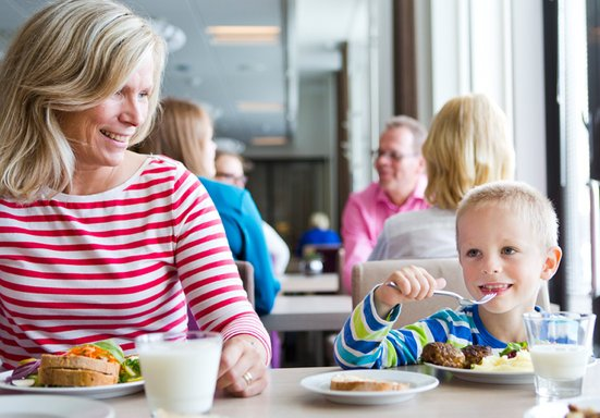 /resources/care-hotels/tampere-hotel/Tampere_familie_restaurant.jpg